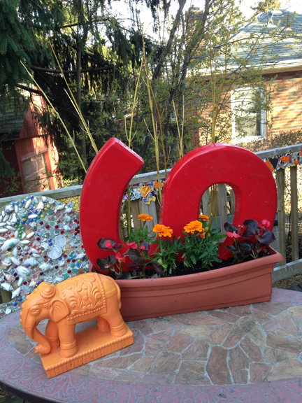 "Tuffy P's ""S"" Planter"