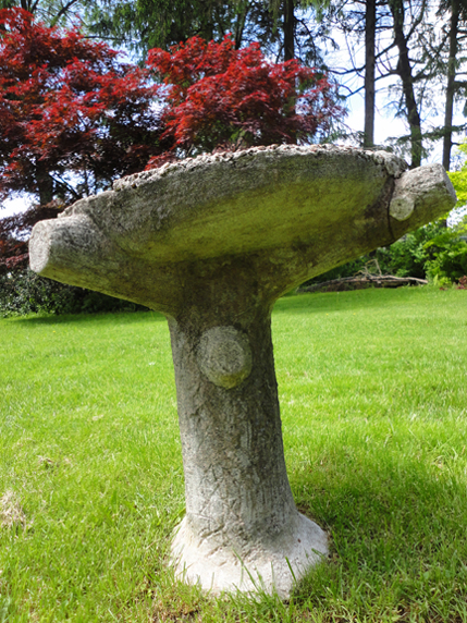 For all you chick lovers- here's the old bird bath at the Cornell-Campbell farm.  The concrete mimics a tree.  (Foreshadowing the pools I saw later on the estates of the Scarborough bluffs).