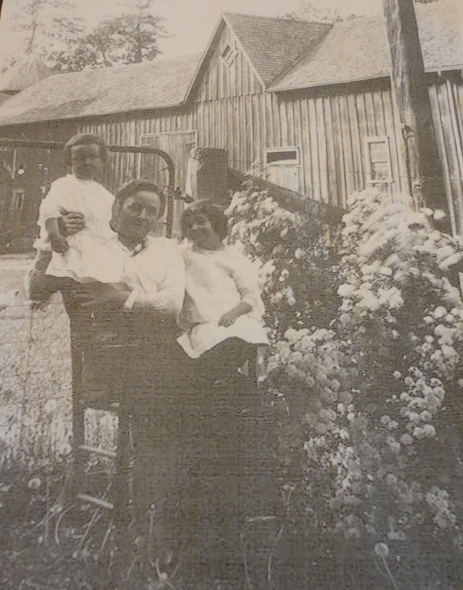 Now it's 1913 - meet the Cornells!  We're going to see the barn in the background in a minute. It's still looking strong in 2014.