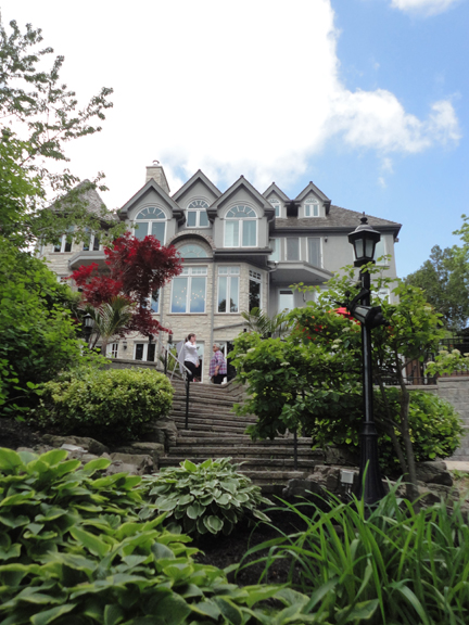 One of the spectacular homes on this year's tour. I must say, I think there was a lot of 'swiffering' going on in these homes the night before. Volunteers in the homes did a great job welcoming guests and shepherding us between floors inside.