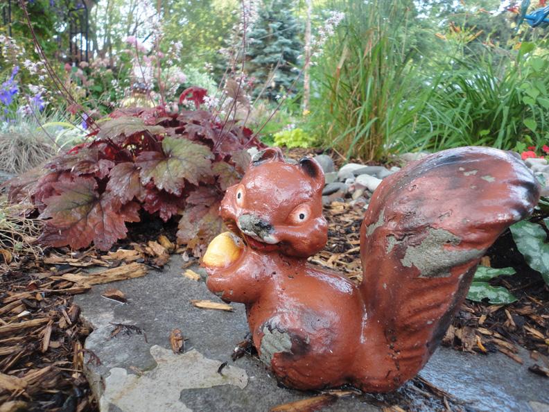 Nice Old Stuff Garden Aug 2 2014